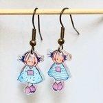 Rube & Rutje oorbelletjes twee meisjes, Rutje blauw roze. De oorbellen zijn per stuk handgemaakt en dus uniek. De verzilver