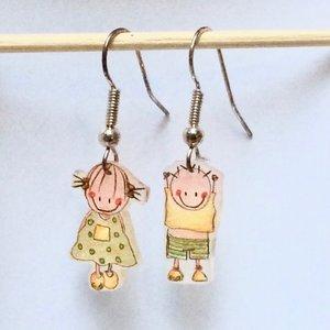 Kinderoorbellen Rube & Rutje hangertjes jonge meisje. Leuke speelse handgemaakte kinderjuwelen. Groen geel meisjes oorbelle