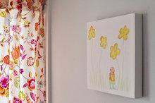 Babykamer decoratie jongen Rube & Rutje. Rube staat in een bloemenveld in de jongenskamer. Leuke aquarel als muurdecoratie